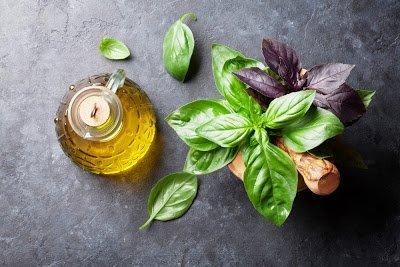 Ароматные растительные масла: как приготовить травяные масла самостоятельно, Базиликово-коричный уксус, Малиновый уксус Aceto ai lamponi, Мятно-малиновый уксус, Рецепт приготовления уксуса на травах, Розово-эстрагоновый уксус, Уксус из итальянских трав, Уксус на розмарине, Уксус на тимьяне и базилике, Чесночный уксус Aceto all'aglio, Как пприготовить уксус на травах, как приготовить уксус в домашних условиях, уксусы на травах рецепты, Уксусы — тематическая подборка рецептов и идейhttp://prazdnichnymir.ru/