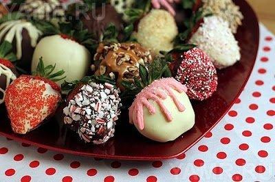 клубника, клубника рецепты, десерты из клубники, самые вкусные клубничные десерты, что можно сделать из клубники, ягодный десерт, клубника в глазури, десерт из свежих ягод, рецепты из клубники, клубника в шоколаде в домашних условиях, клубника в шоколаде на подарок, букет из клубники, букет из ягод, подарки на 5 марта, подарки на день влюбленных, ягоды в шоколаде, клубника в шоколаде мастер класс, как делать клубнику в шоколаде на продажу, клубника в шоколаде в домашних условиях, букет из клубники в шоколаде, торт клубника в шоколаде, клубника сладкоежка, фрукты в шоколаде, Варенье «Клубника в шоколаде», Как приготовить клубнику в шоколаде, Клубника в белом шоколаде и кокосовой стружке, Клубника в белом шоколаде и темных шоколадных чипсах, Клубника в глазури для романтического свидания, Клубника в розовом шоколаде на шпажках, Клубника в смокинге, Клубника в темном шоколаде, Клубника в шоколаде, Клубника в шоколаде «Божьи коровки» на День, Влюбленных, Клубника в шоколаде и хрустящем арахисе, Клубника в шоколаде на Хэллоуин,, Клубника в шоколаде с карамельными фигурками, Клубника в шоколаде Санта-Клаус, Клубника в шоколадном корсете, Клубника в шоколадных лодочках, Клубничные букеты — идеи, Клубничный шоколадный букет, Красивое оформление клубники в шоколаде, «Мраморная» клубника, «Услада для романтиков» — клубника в глазури, «Шляпа ведьмы» — клубника в шоколаде, Шоколадно-клубничные сердечки,http://parafraz.space/, http://deti.parafraz.space/, http://eda.parafraz.space/, http://handmade.parafraz.space/, http://prazdnichnymir.ru/, http://psy.parafraz.space/