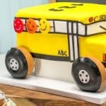 Торт на 1 сентября «Школьный автобус»