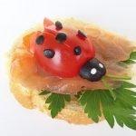 Бутерброды с рыбой «Божьи коровки»