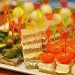 Канапе: рецепты для шведского стола