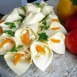 Закуска «Каллы» с копченой курицей
