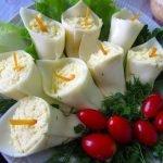 Закуска «Каллы» с куриным филе и шампиньонами