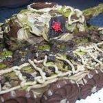 Шоколадно-кремовый слоёный торт «Добош Танк»