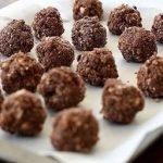 Конфеты шоколадные с кешью и халвой