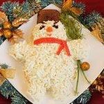 «Снеговик» — новогодний салат с сыром и крабовыми палочками