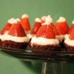 «Шапка Деда Мороза» — клубничный десерт