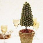 Оливковая ёлка на конусе
