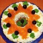 Салат «Новогодняя звездочка» с икрой и куриным филе
