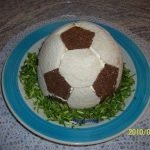 """Салат """"Футбол"""" с рыбой и яблоком"""