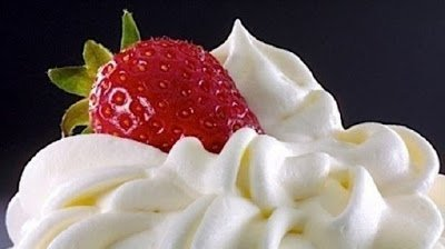 Кремы для десертов, тортов и других сладких блюд,Крем абрикосовый желированный со взбитыми сливками, Крем для торта «Добош», Крем заварной «Английский», Крем заварной для слоеного торта, Крем заварной со взбитыми сливками «Дипломат»,Крем классический масляный на сахарной пудре, Крем классический масляный на сгущенке, Крем масленно-заварной с какао, Крем масляный «Шарлотт», Крем «Муслин» со сливками, Крем на сгущенном молоке с какао, Крем «Патисьер», Крем «Пломбир» на сметане, Крем сливочно-ванильный на сгущеном молоке, Крем сливочно-маслянный, Крем сметанный с маслом и творожным сыром, Крем сырно-банановый на желатине, Крем сырно-карамельный на вареной сгущенке, Крем сырно-сливочный (крем-чиз), Крем сырно-сливочный на масле (крем-чиз), Крем шоколадно-кофейный для торта, Курд лимонный, Меренга итальянская, Меренга масляная «Швейцарская» (Swiss Buttercream Meringue),