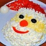 Салат «Дед Мороз» из картофеля и крабовых палочек