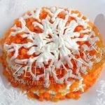 Салат «Снежинка» с сыром, грибами и крабовыми палочками