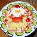 Салат «Дед мороз, красный нос» с красной рыбой и крабовыми палочками
