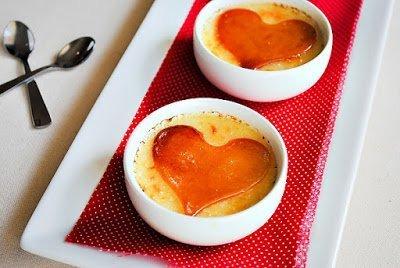 """блюда """"Сердце"""", карпмель, блюда на День Влюбленных, десерты, крем-брюле, крем заварной, десерты с карамеллью, десерты кремовые, десерты с кремом, блюда с карамелью, десерты """"Сердце"""", http://eda.parafraz.space/"""