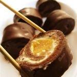 Сладкие блинные роллы в шоколаде