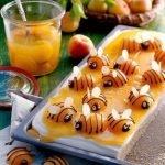 Торт «Вилли-Марилли» с абрикосовыми пчелками