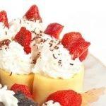 Блинные роллы с творожно-фруктовой начинкой