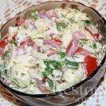 Салат «Капустка» с помидорами и сыром