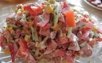 салат с болгарским перцем, салат с курицей, перец болгарский, курица копченая, салат с огурцом, салаты, рецепты, рецепты салатов,