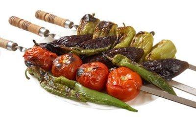 капуста брюссельская, капуста цветная, перец болгарский, помидоры, из капусты, из перца, из помидоров, рецепты, шашлык из овощей,