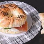 Бейглы с лососем и творожным сыром