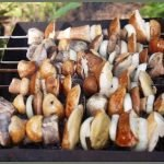 Шашлык с салом и грибами