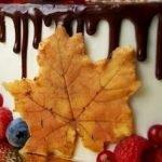 Как сделать цветные осенние листья из шоколада. МК