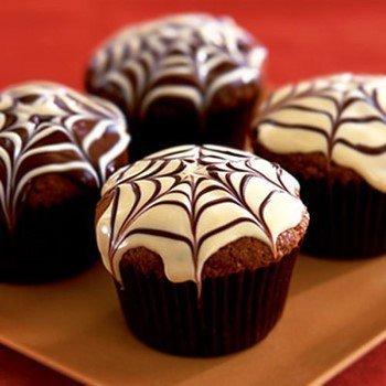кексы, кексы на Хэллоуин, к чаю, паутина, с паутиной, рецепты на Хэллоуин, как сделать кексы, кексы с глазурью, выпечка, выпечка на Хэллоуин, блюда праздничные, кексы праздничные,