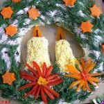 """Салат """"Рождественский венок"""" с фасолевым соусом"""