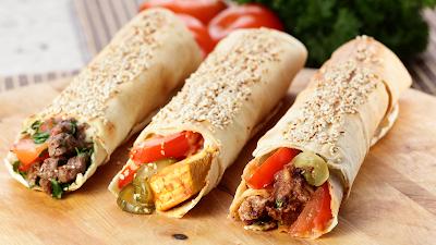 , шаурма, шаурма домашняя, лаваш, лаваш армянский, кухня армянская, из лаваша, блюда из лаваша, закуски, закуски из лаваша, закуски с мясом, закуски с овощами, еда, рецепты, рецепты кулинарные, рецепты шаурмы, быстрый завтрак, быстрое питание, как сделать шаурму своими руками, как готовить, шаурма из лаваша в домашних условиях, рецепт шаурмы, как приготовить домашнюю шаурму, шаурму, http://prazdnichnymir.ru/ что можно завернуть в лаваш вкусно и просто, как приготовить лаваш для шаурмы, шаурма в домашних условиях, как правильно завернуть шаурму в лаваш, в домашних условиях, шаурма рецепт с фото, шаурма фото, как свернуть шаурму из лаваша, как сделать тонкий лаваш для шаурмы, как правильно делать шаурму в лаваше, шаурма из лаваша в домашних условиях с курицей шаурма из лаваша в домашних условиях с колбасой, шаурма из лаваша в домашних условиях рецепт с фото, шаурма из лаваша с курицей, что такое шаурма, спрингг роллы, закуски из лаваша, спринг роллы в лаваше, как приготовить спринт роллы,