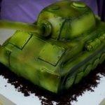 """Торт """"Танк"""" из мастики с вишней и ганашем"""