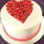 Идеи оформления тортов на День святого Валентина